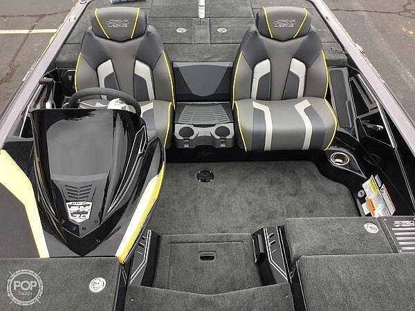 2018 Skeeter boat for sale, model of the boat is FX20 Limited Edition & Image # 6 of 9