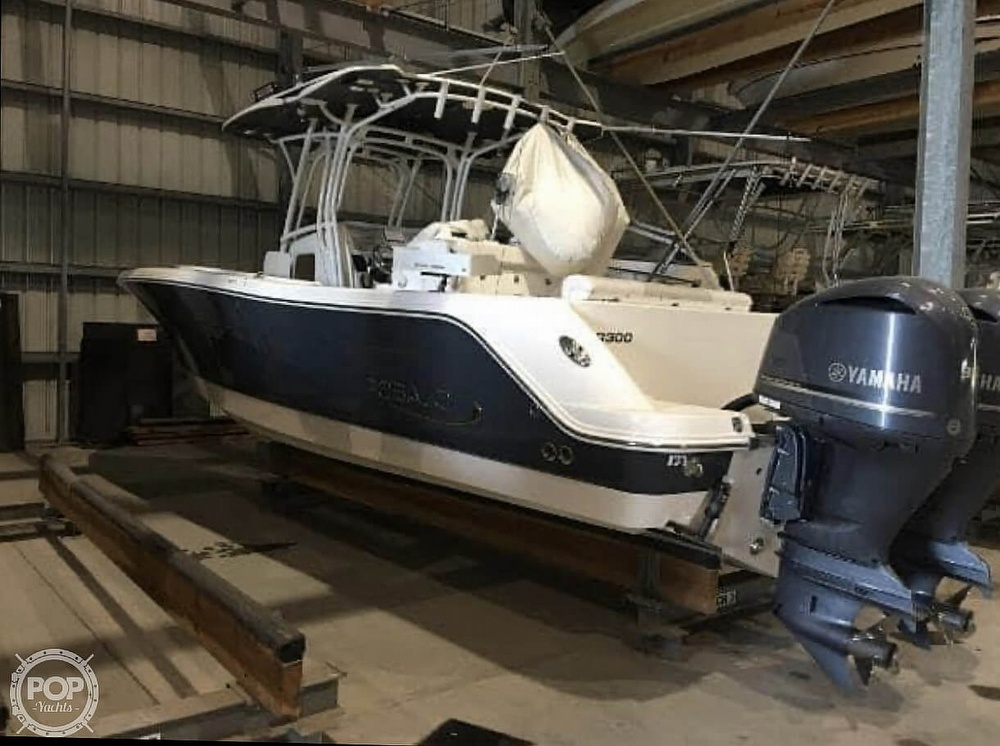 2016 Robalo boat for sale, model of the boat is R300 CC & Image # 13 of 40