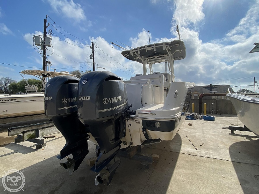 2016 Robalo boat for sale, model of the boat is R300 CC & Image # 28 of 40