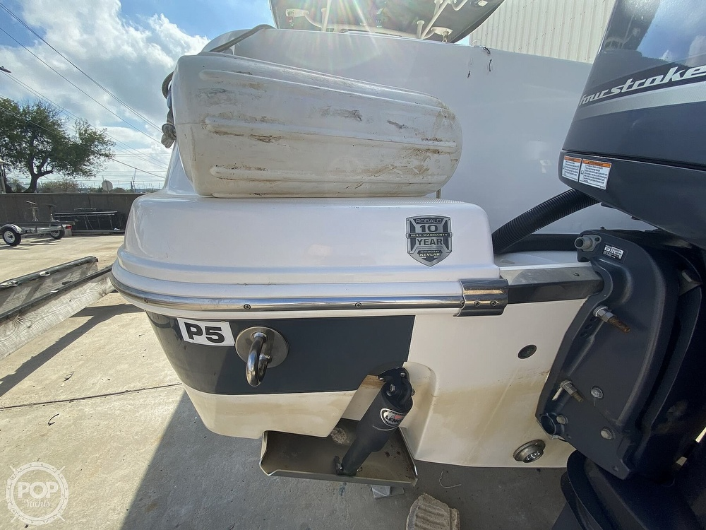 2016 Robalo boat for sale, model of the boat is R300 CC & Image # 37 of 40