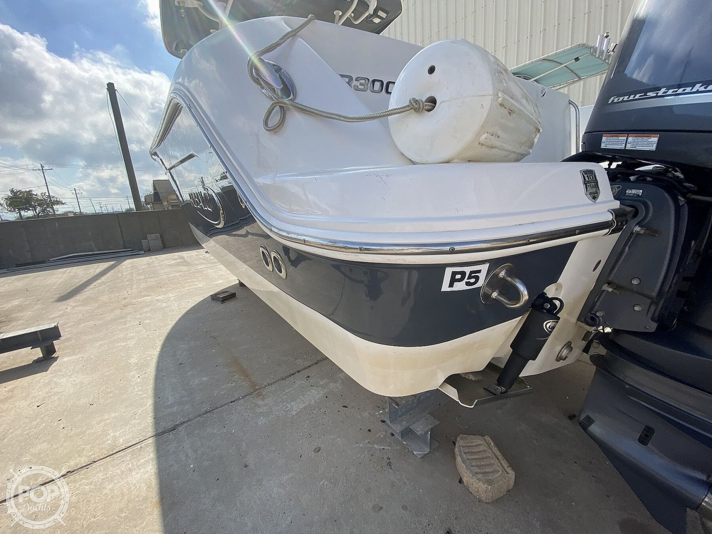 2016 Robalo boat for sale, model of the boat is R300 CC & Image # 39 of 40