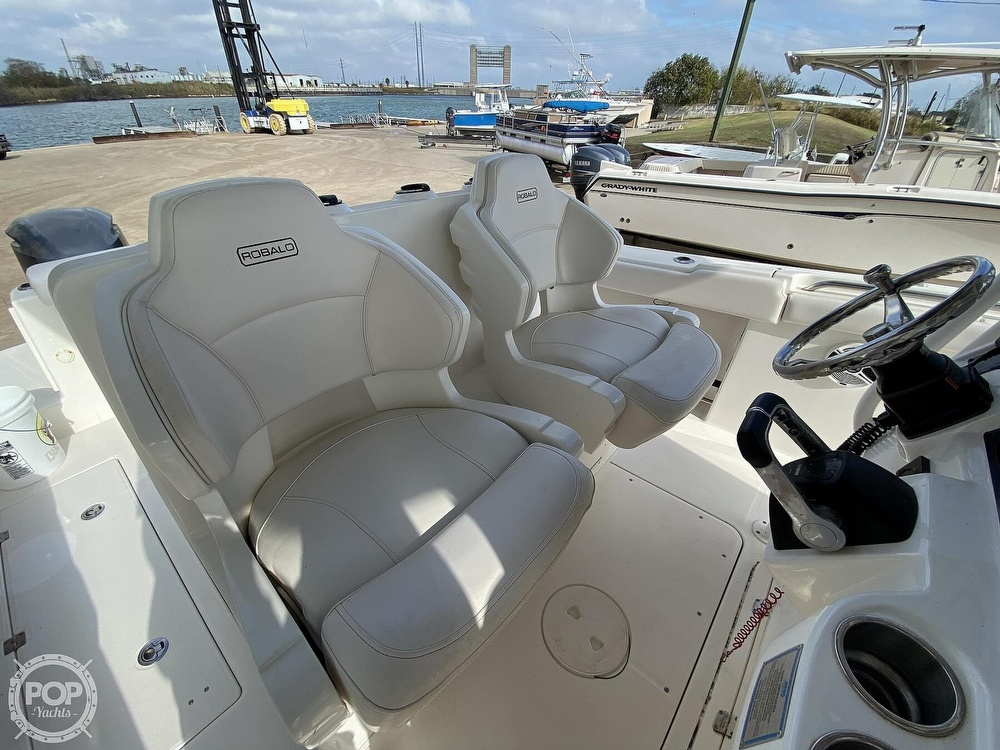 2016 Robalo boat for sale, model of the boat is R300 CC & Image # 9 of 40