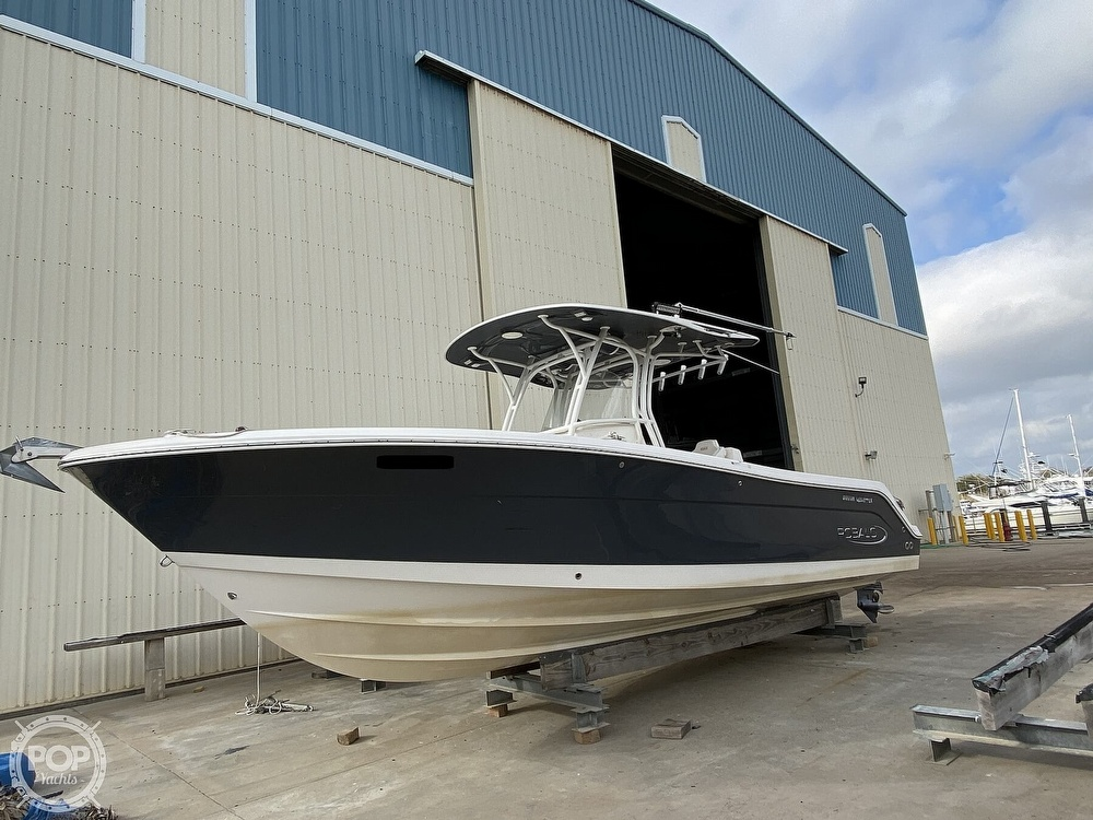 2016 Robalo boat for sale, model of the boat is R300 CC & Image # 6 of 40