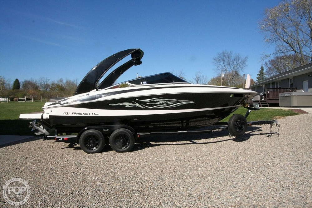 2010 Regal boat for sale, model of the boat is 2300 & Image # 13 of 40