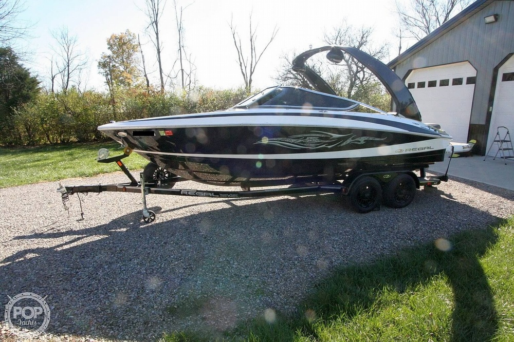 2010 Regal boat for sale, model of the boat is 2300 & Image # 14 of 40
