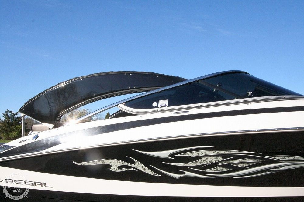 2010 Regal boat for sale, model of the boat is 2300 & Image # 21 of 40
