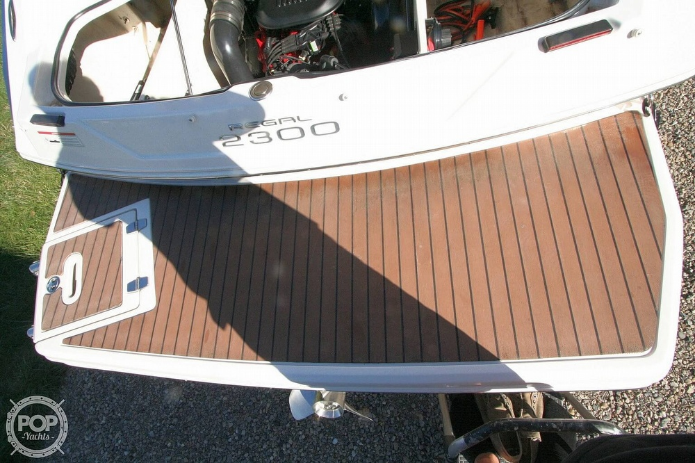 2010 Regal boat for sale, model of the boat is 2300 & Image # 26 of 40