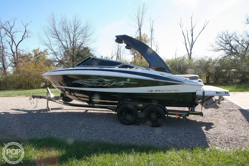 2010 Regal boat for sale, model of the boat is 2300 & Image # 5 of 40