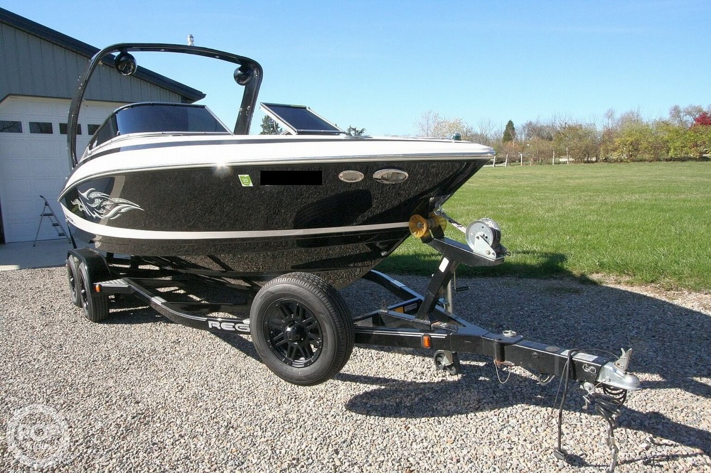 2010 Regal boat for sale, model of the boat is 2300 & Image # 7 of 40