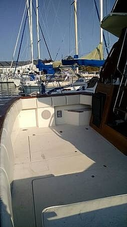 1987 Bayliner boat for sale, model of the boat is 3270 & Image # 2 of 11