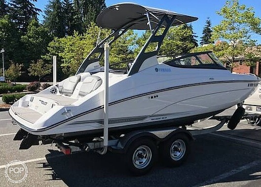 2017 Yamaha boat for sale, model of the boat is 212 Limited S & Image # 2 of 40
