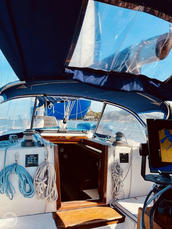 1983 Sabre Yachts boat for sale, model of the boat is 38 & Image # 4 of 40
