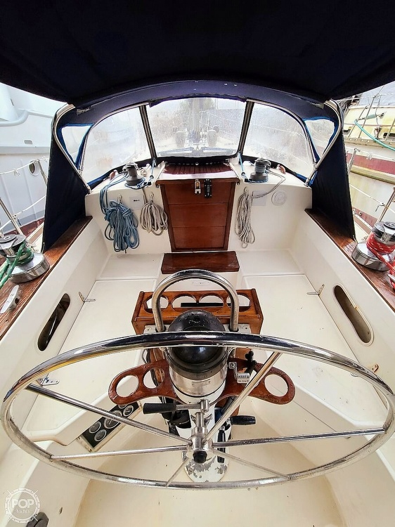 1983 Sabre Yachts boat for sale, model of the boat is 38 & Image # 3 of 40