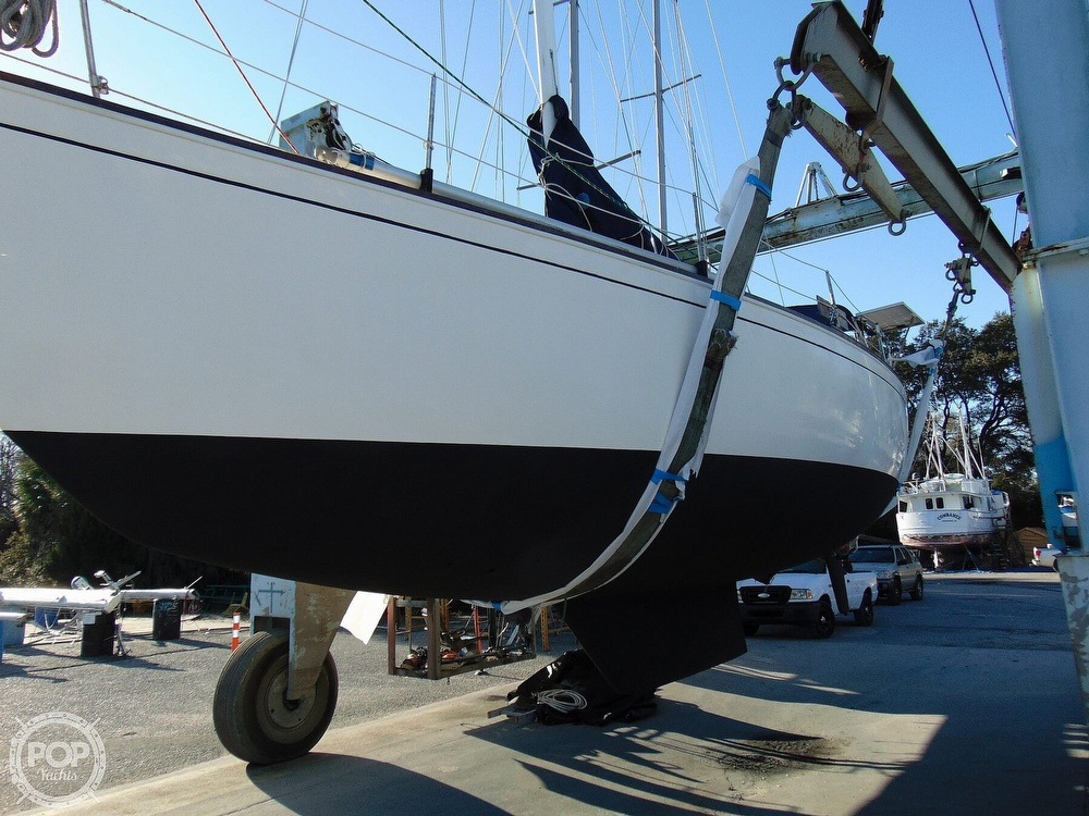 1983 Sabre Yachts boat for sale, model of the boat is 38 & Image # 32 of 40