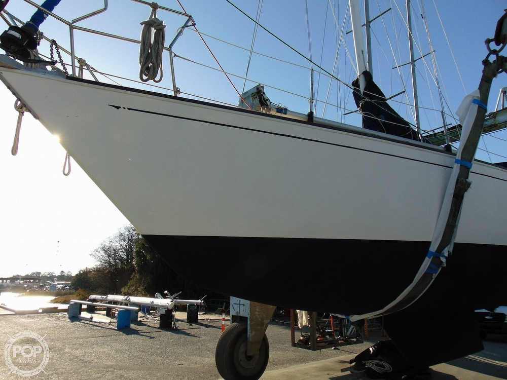 1983 Sabre Yachts boat for sale, model of the boat is 38 & Image # 33 of 40