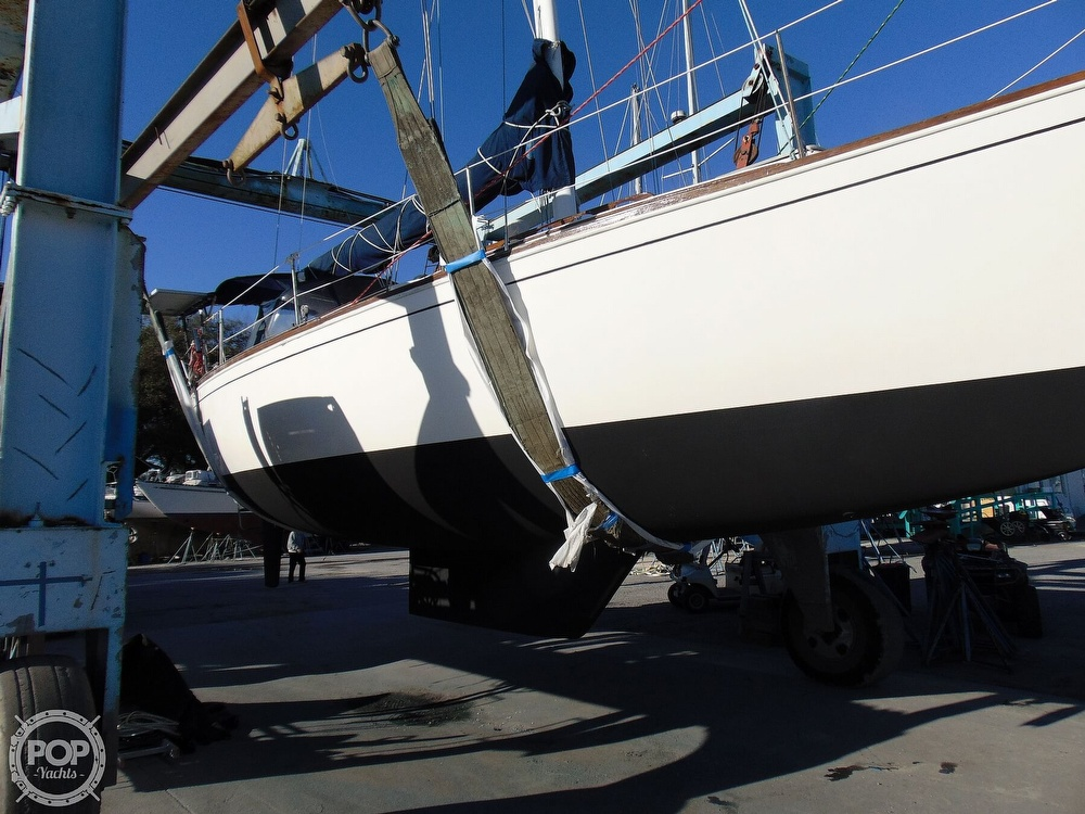 1983 Sabre Yachts boat for sale, model of the boat is 38 & Image # 36 of 40