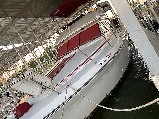 1989 Sea Ray boat for sale, model of the boat is 380 Aft Cabin & Image # 5 of 40