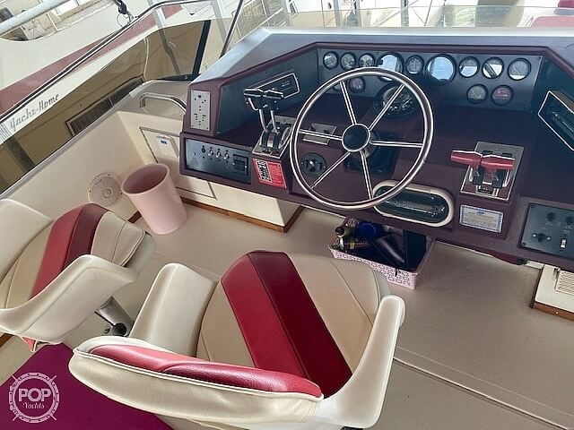 1989 Sea Ray boat for sale, model of the boat is 380 Aft Cabin & Image # 9 of 40