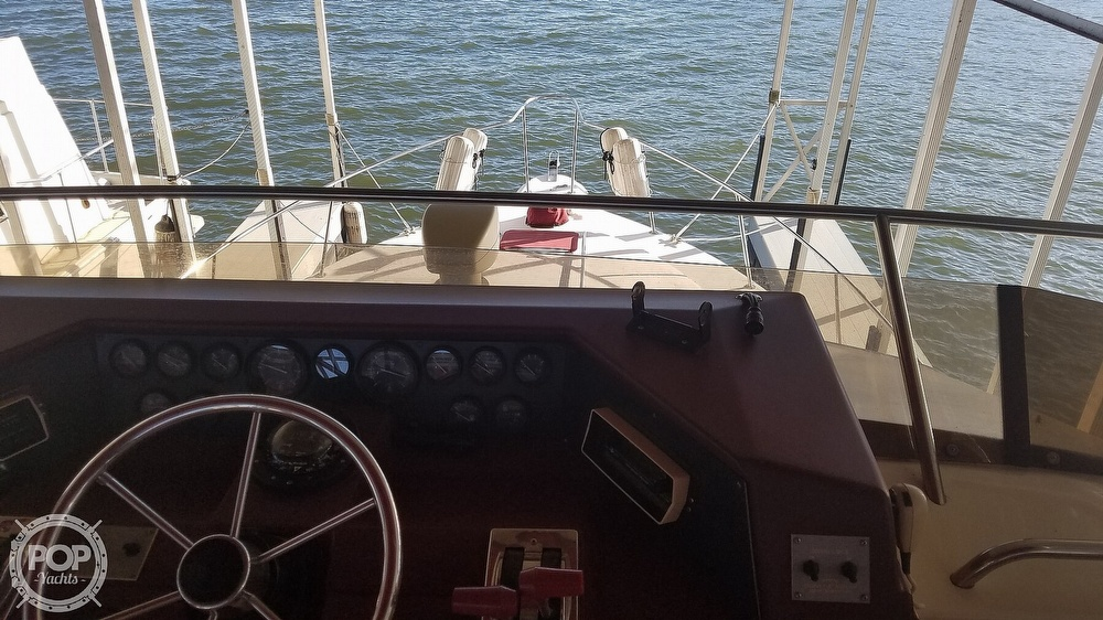 1989 Sea Ray boat for sale, model of the boat is 380 Aft Cabin & Image # 15 of 40