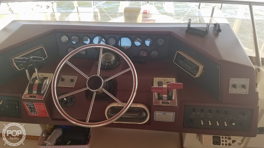 1989 Sea Ray boat for sale, model of the boat is 380 Aft Cabin & Image # 16 of 40
