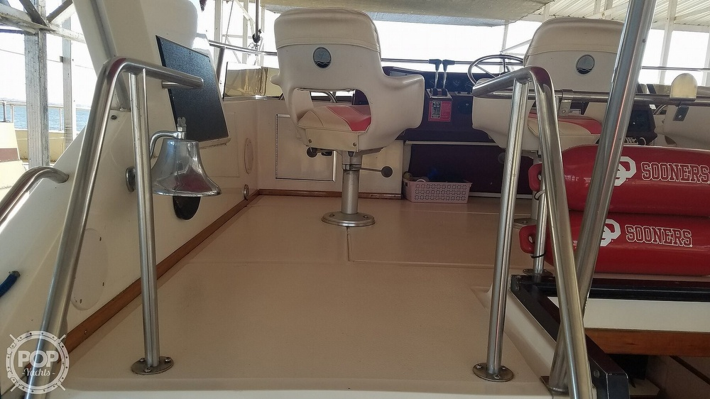 1989 Sea Ray boat for sale, model of the boat is 380 Aft Cabin & Image # 22 of 40