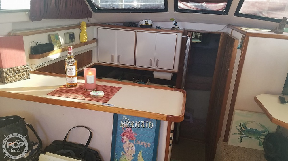 1989 Sea Ray boat for sale, model of the boat is 380 Aft Cabin & Image # 27 of 40