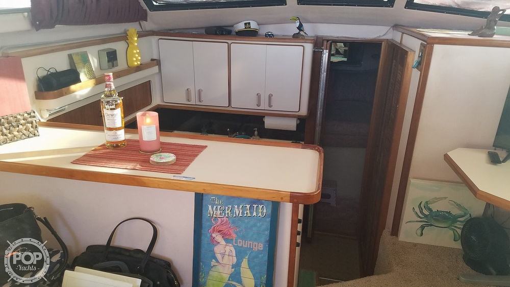1989 Sea Ray boat for sale, model of the boat is 380 Aft Cabin & Image # 28 of 40