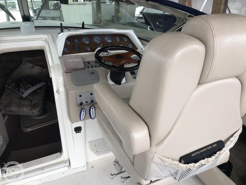 1995 Sea Ray boat for sale, model of the boat is 310 Sun Sport & Image # 31 of 40