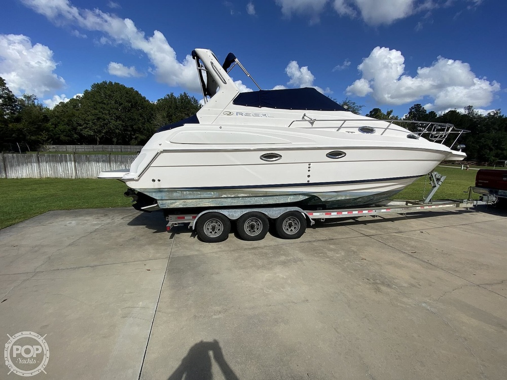 2004 Regal boat for sale, model of the boat is Commodore 2860 & Image # 11 of 40