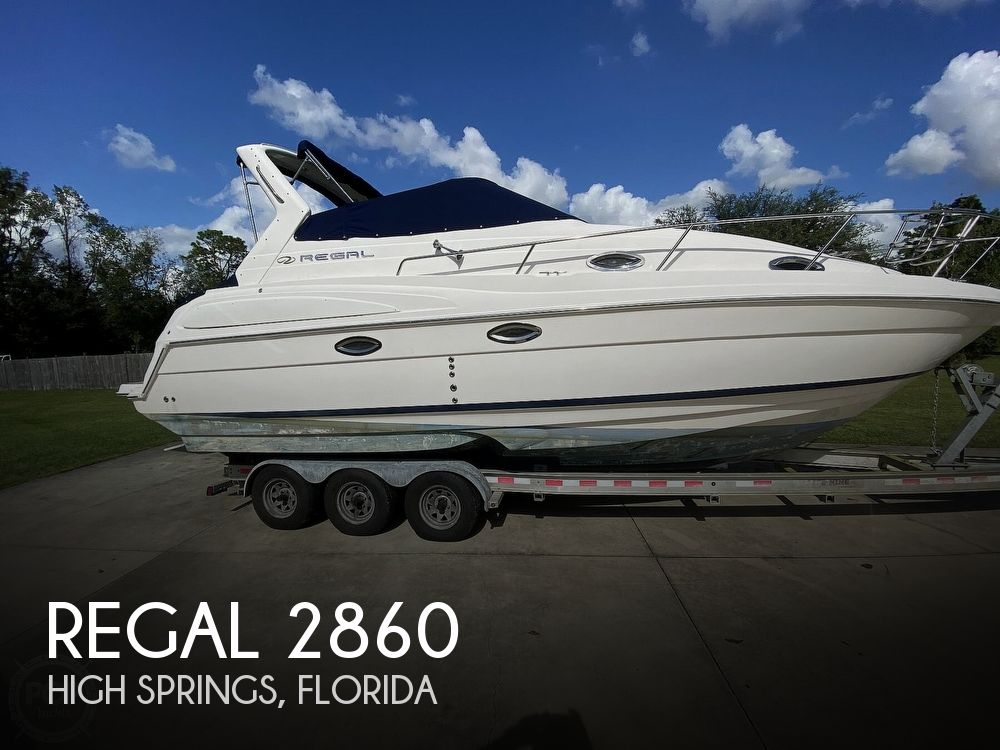 2004 Regal boat for sale, model of the boat is Commodore 2860 & Image # 1 of 40