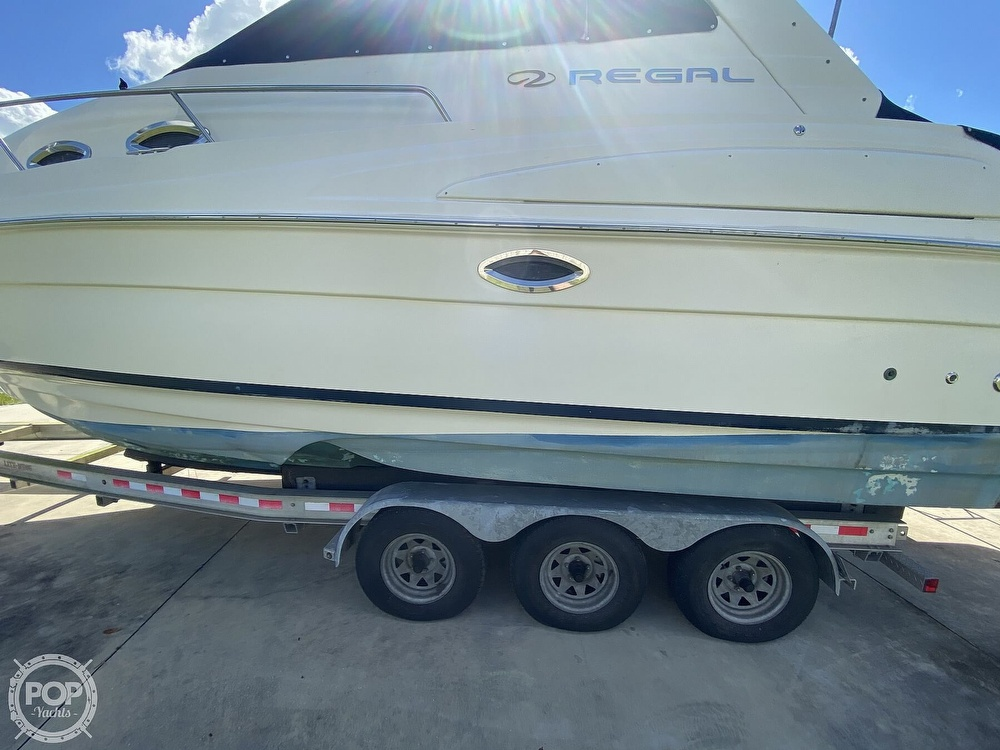 2004 Regal boat for sale, model of the boat is Commodore 2860 & Image # 21 of 40