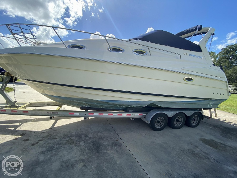 2004 Regal boat for sale, model of the boat is Commodore 2860 & Image # 2 of 40