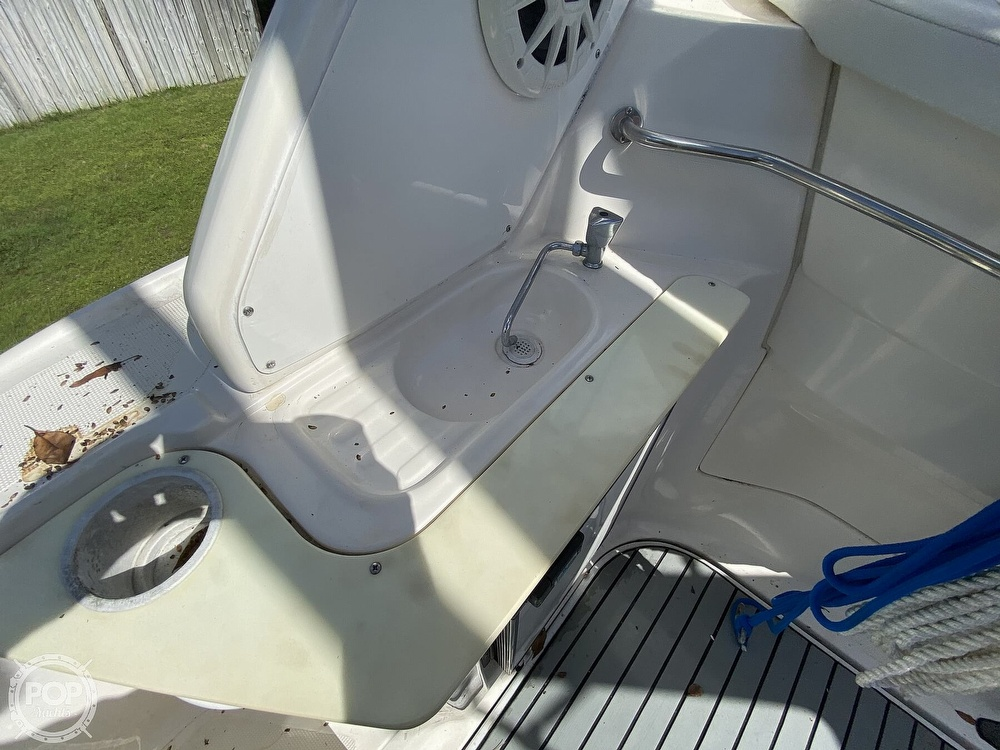 2004 Regal boat for sale, model of the boat is Commodore 2860 & Image # 28 of 40