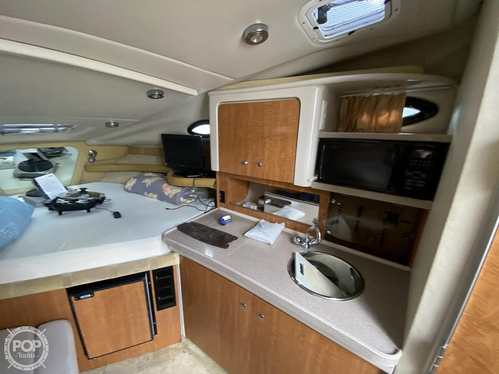 2004 Regal boat for sale, model of the boat is Commodore 2860 & Image # 5 of 40