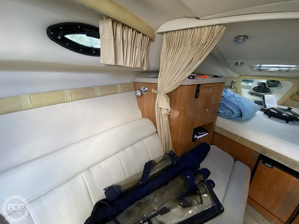 2004 Regal boat for sale, model of the boat is Commodore 2860 & Image # 9 of 40