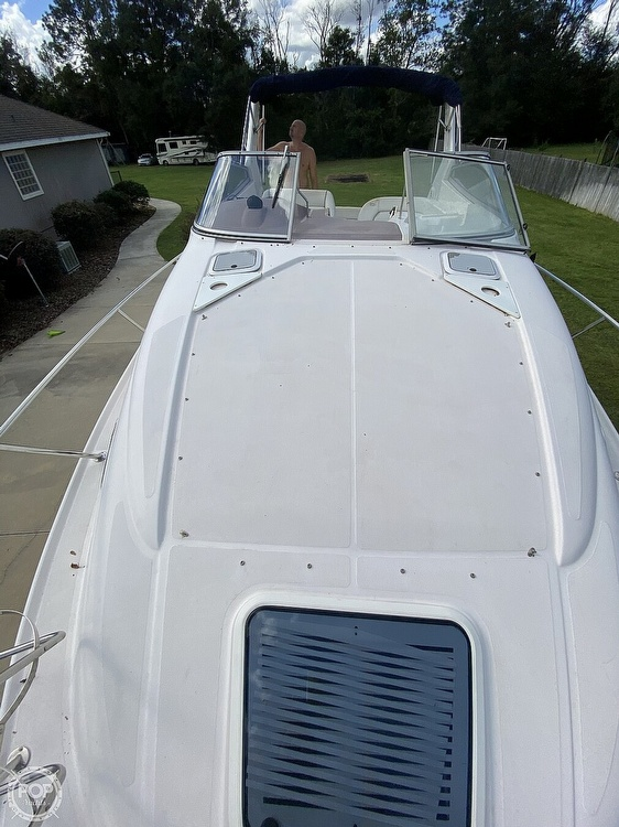 2004 Regal boat for sale, model of the boat is Commodore 2860 & Image # 10 of 40
