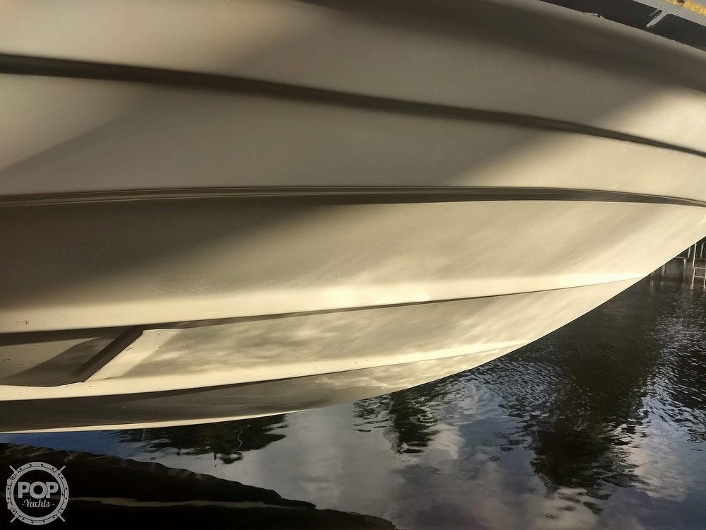 2001 Regal boat for sale, model of the boat is Commodore 2760 & Image # 16 of 40