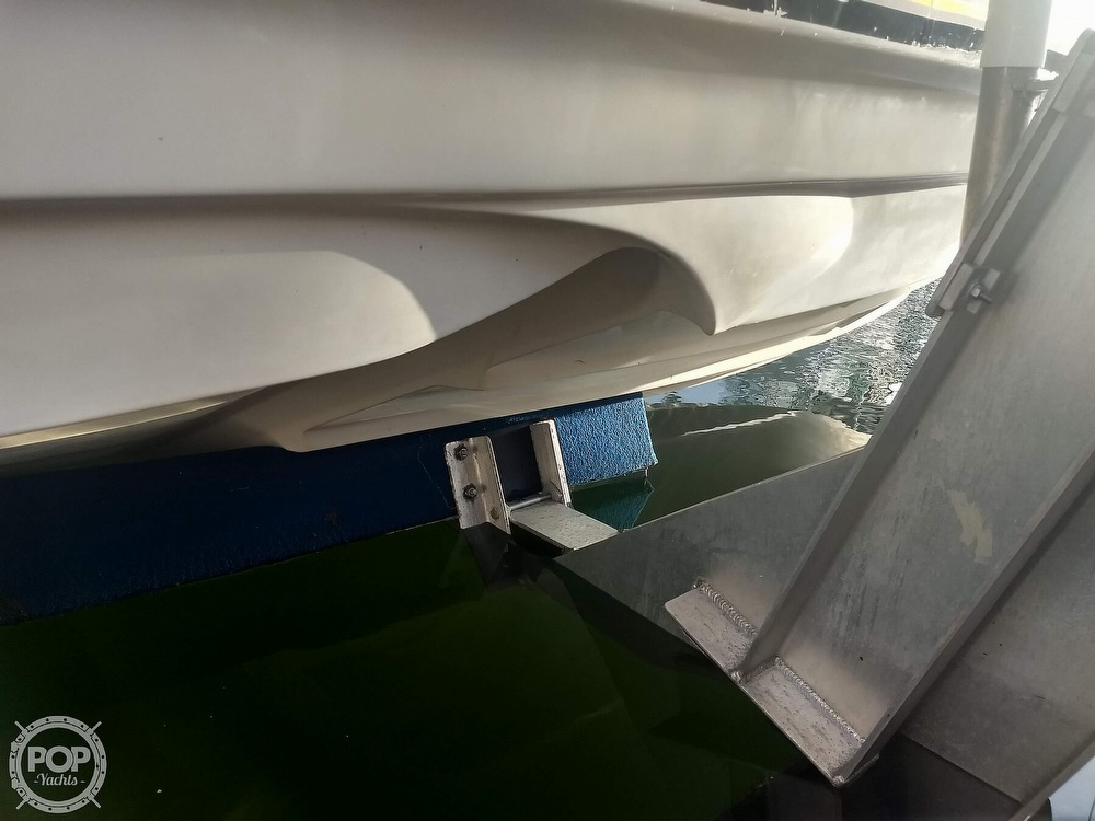 2001 Regal boat for sale, model of the boat is Commodore 2760 & Image # 17 of 40