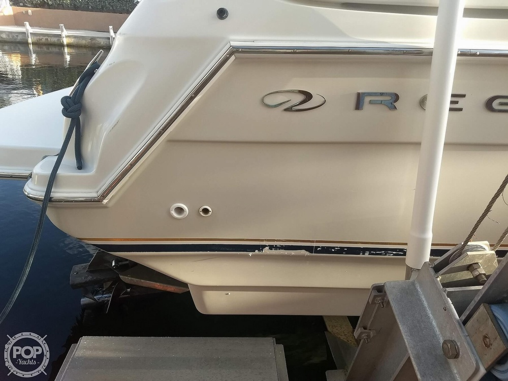 2001 Regal boat for sale, model of the boat is Commodore 2760 & Image # 24 of 40