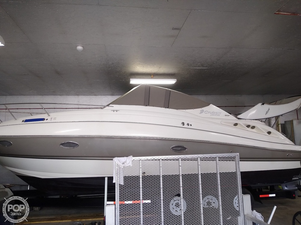 2007 Cruisers Yachts boat for sale, model of the boat is 300 Cxi & Image # 19 of 40