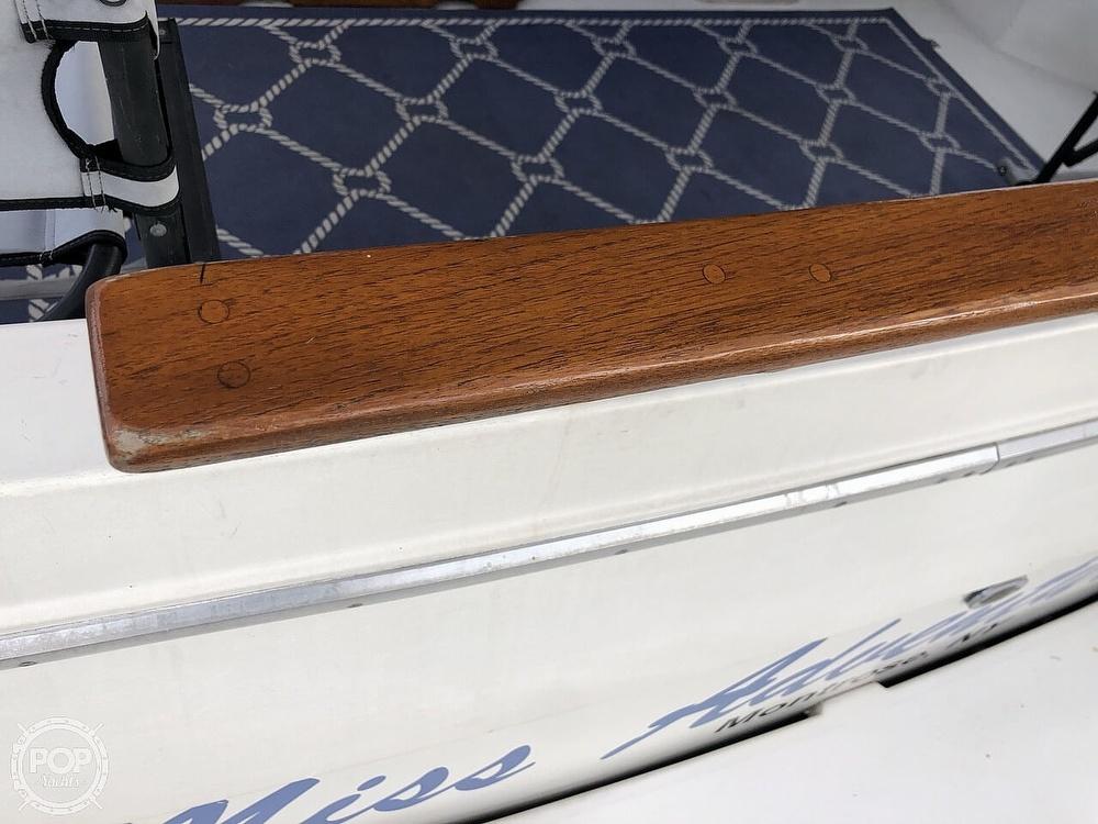 1986 Bayliner boat for sale, model of the boat is Explorer 3270 Diesel & Image # 5 of 40