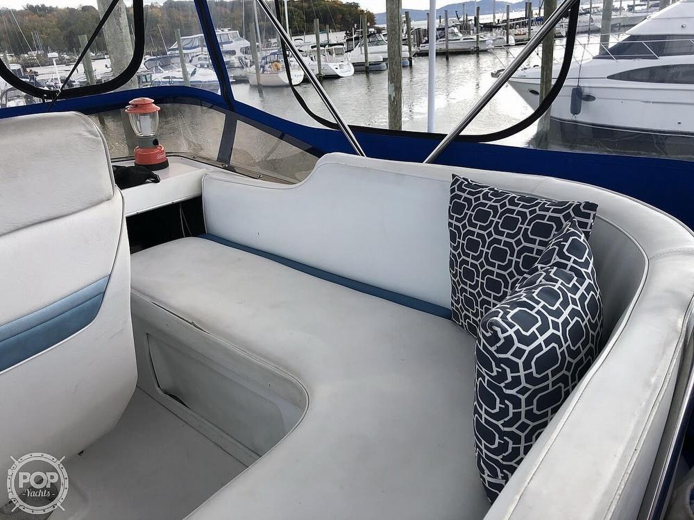 1986 Bayliner boat for sale, model of the boat is Explorer 3270 Diesel & Image # 22 of 40
