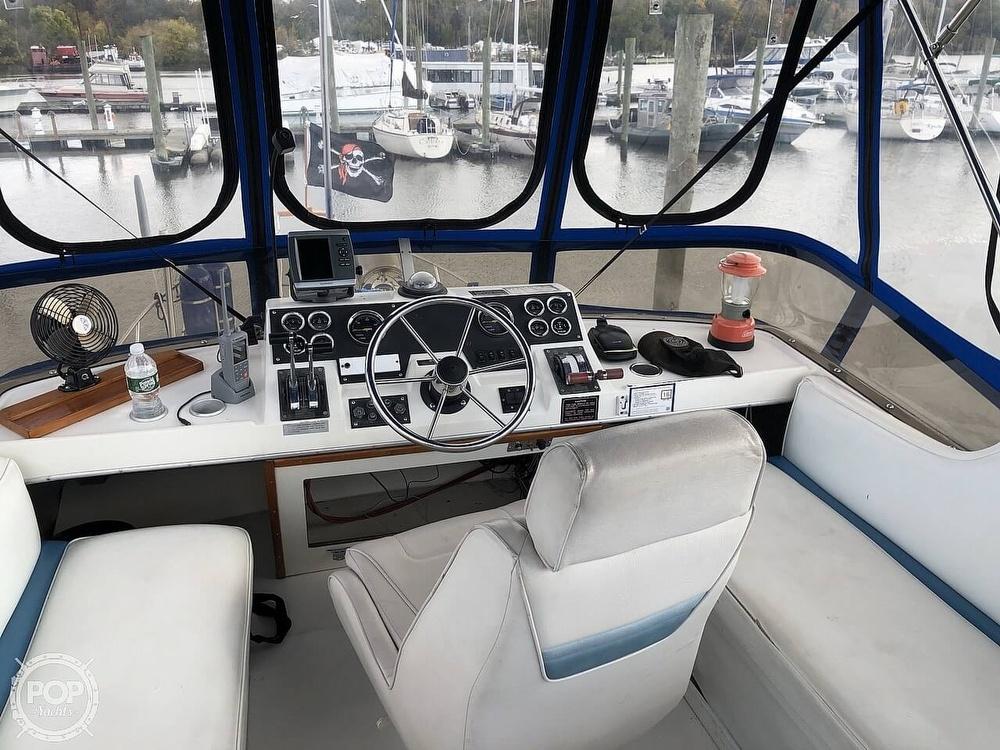 1986 Bayliner boat for sale, model of the boat is Explorer 3270 Diesel & Image # 21 of 40