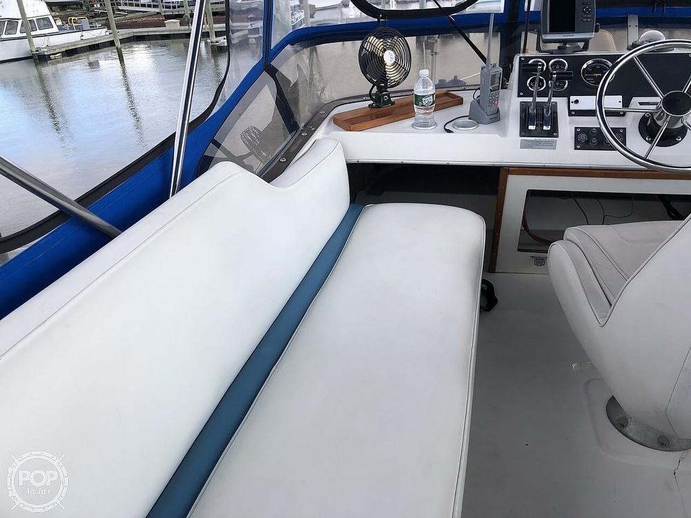1986 Bayliner boat for sale, model of the boat is Explorer 3270 Diesel & Image # 23 of 40