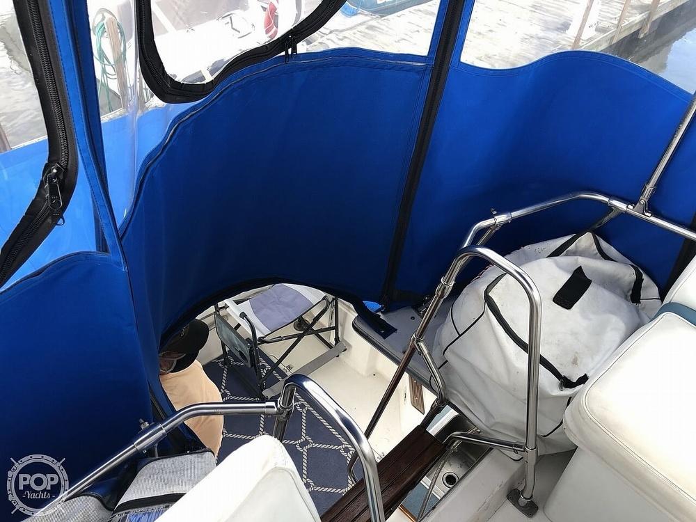 1986 Bayliner boat for sale, model of the boat is Explorer 3270 Diesel & Image # 25 of 40