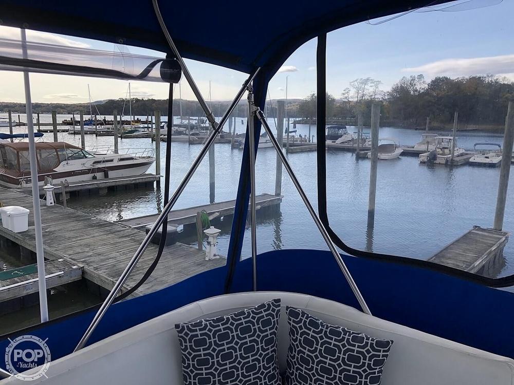 1986 Bayliner boat for sale, model of the boat is Explorer 3270 Diesel & Image # 28 of 40