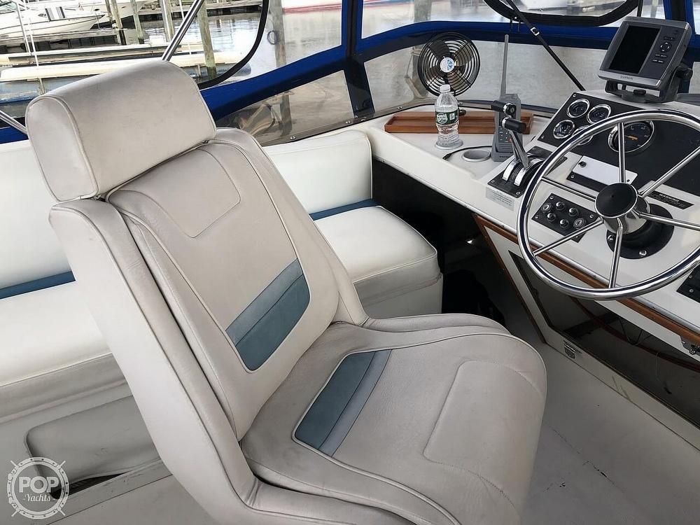 1986 Bayliner boat for sale, model of the boat is Explorer 3270 Diesel & Image # 36 of 40