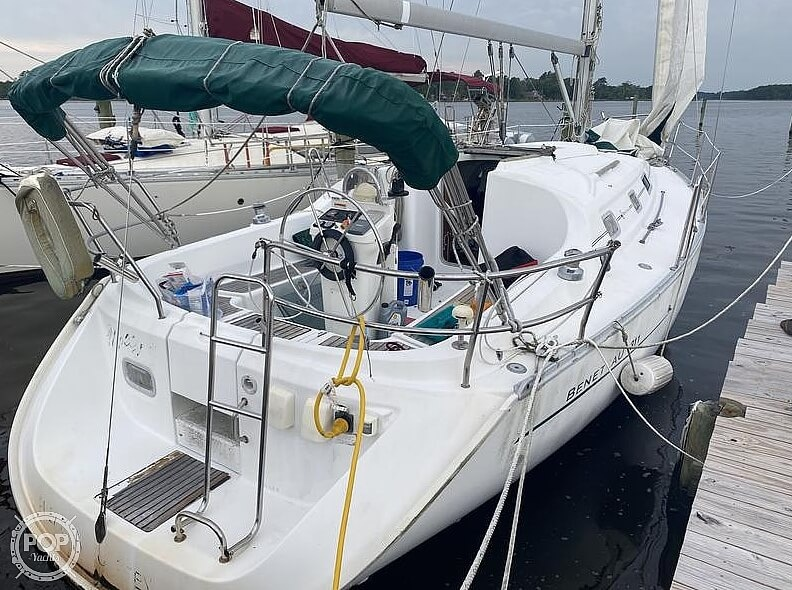 2000 Beneteau boat for sale, model of the boat is 311 & Image # 3 of 32