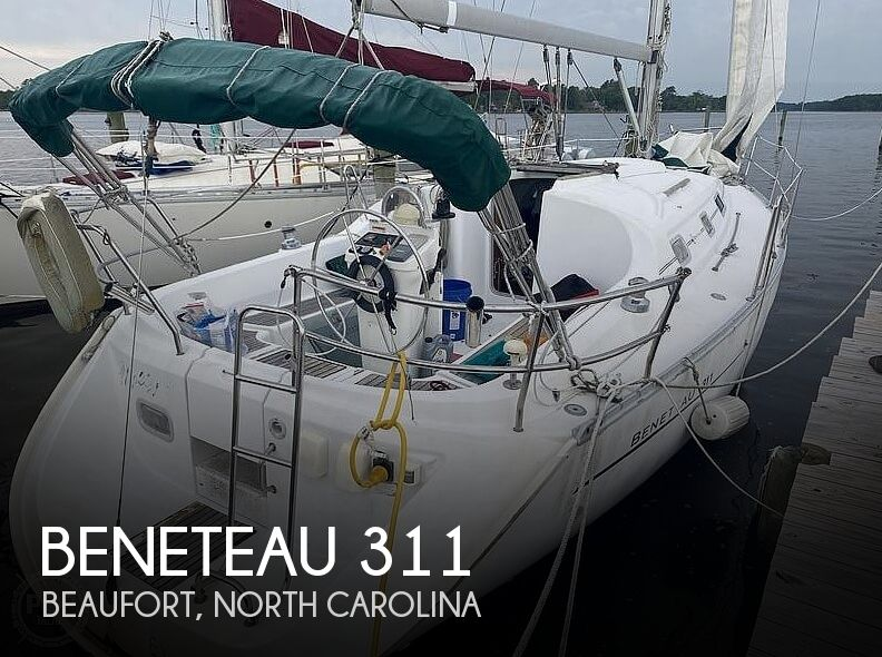 2000 Beneteau boat for sale, model of the boat is 311 & Image # 1 of 26