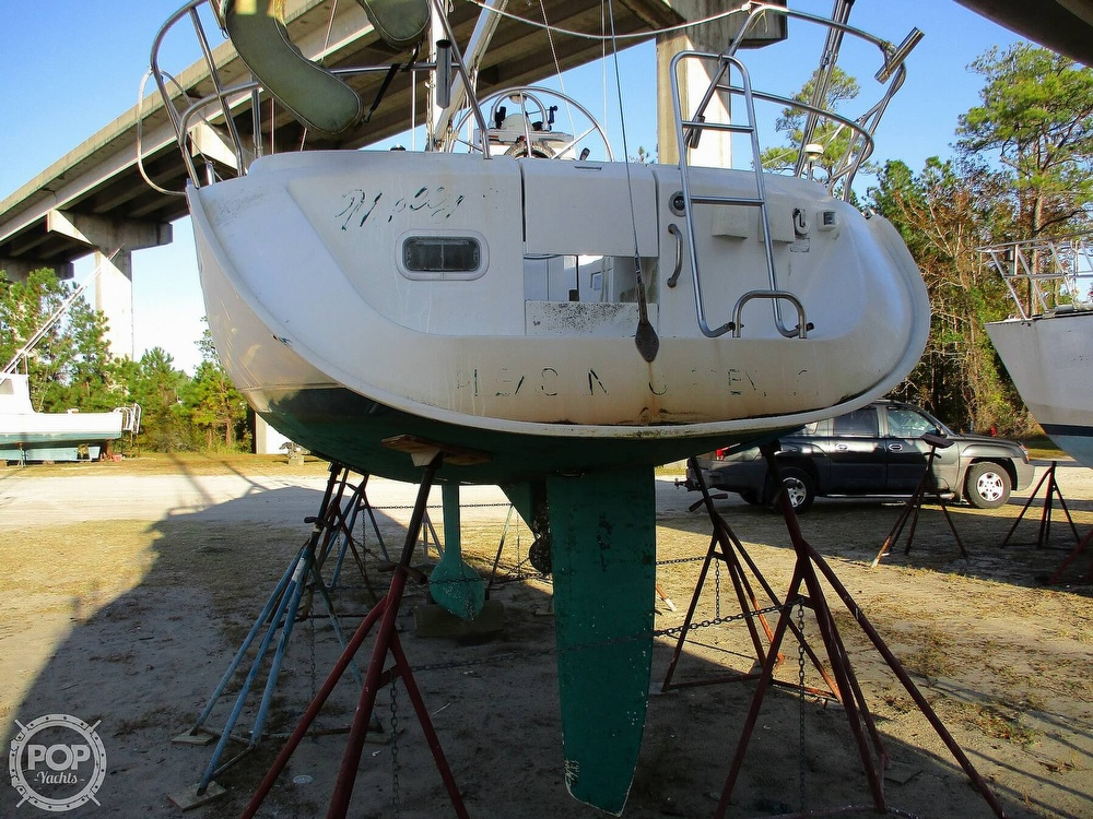 2000 Beneteau boat for sale, model of the boat is 311 & Image # 6 of 32
